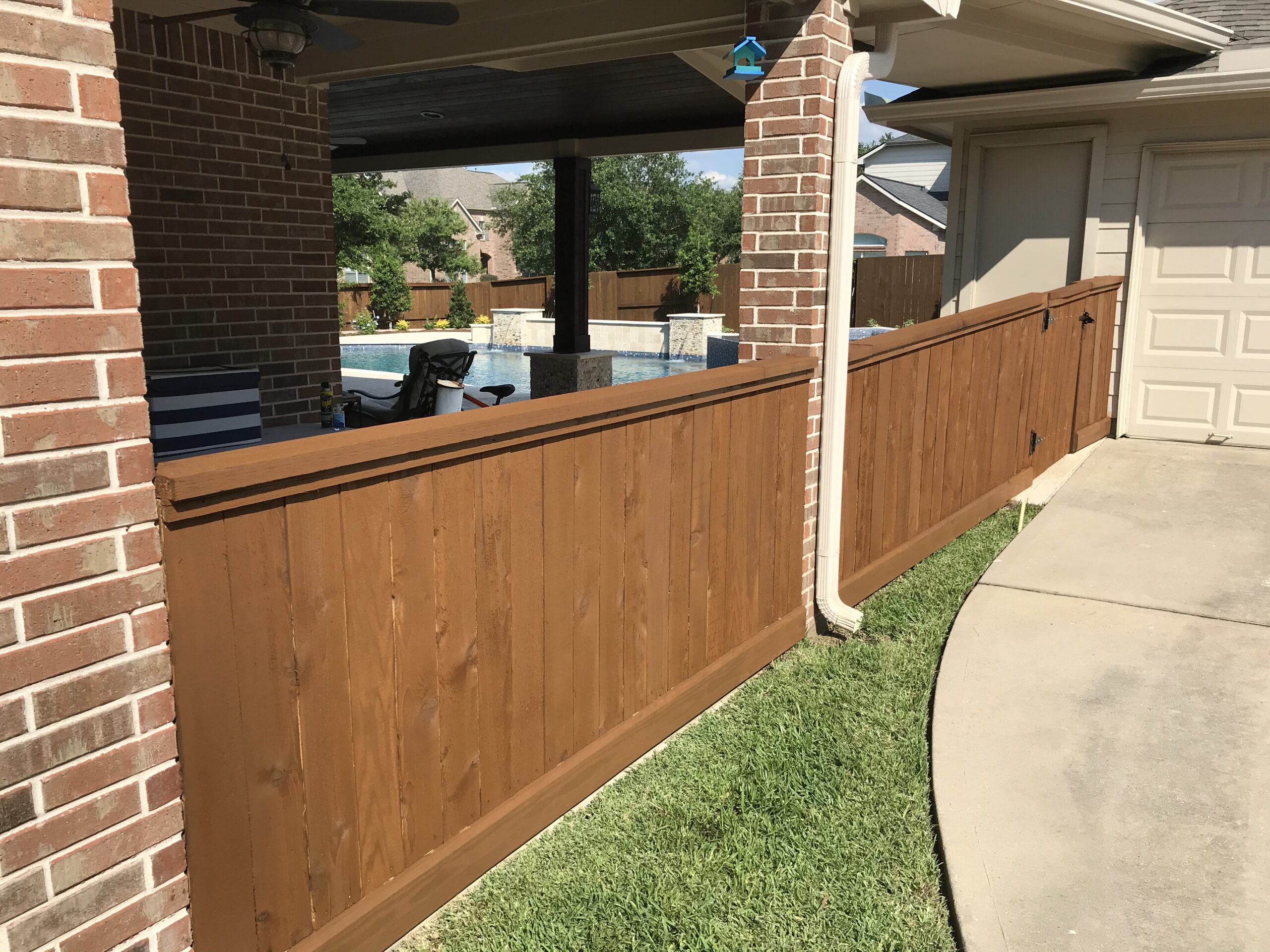 Fence Stainers and Fence Painting
